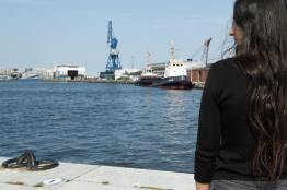 girl & harbour